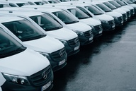 ISS Facilty Services: 225 Mercedes-Transporter übernommen